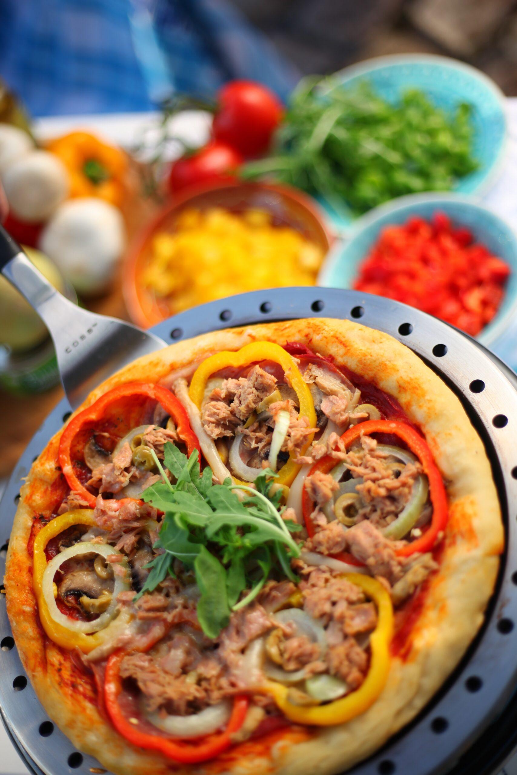 Kleine BBQ COBB pizza's bakken