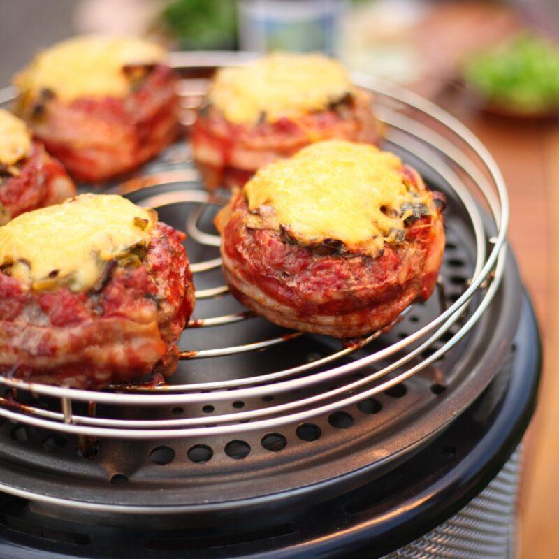 Tafel BBQ COBB beercan hamburgers