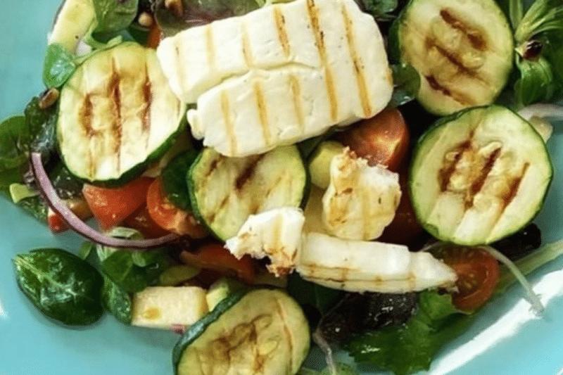 BBQ Recept Salade met halloumi COBB